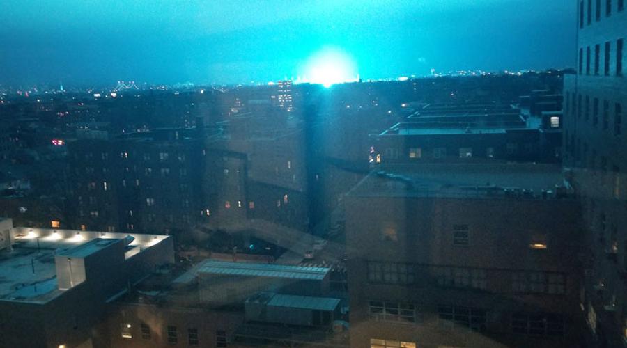 #Video Luces de explosión de transformadores sorprenden a Nueva York