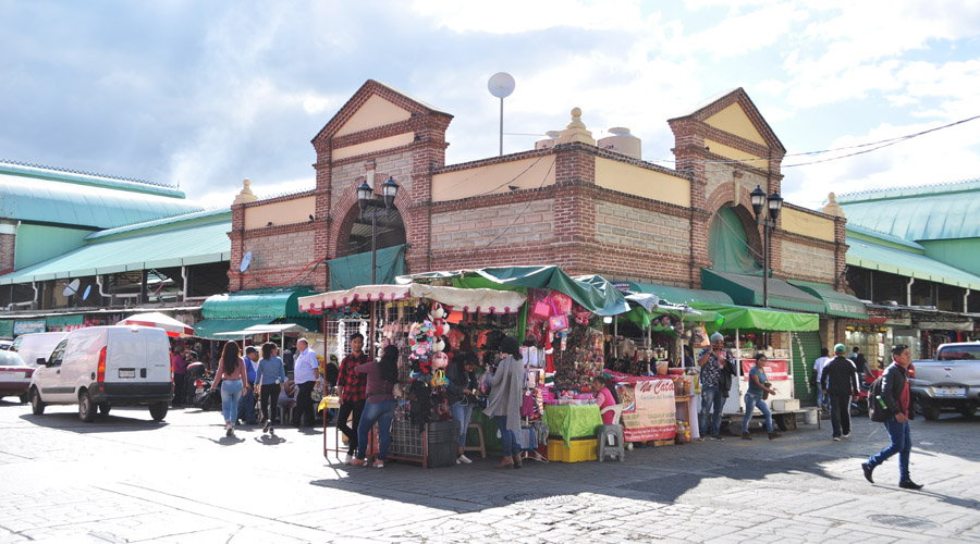 Ambulantaje e inseguridad  agobia a los comerciantes de Oaxaca