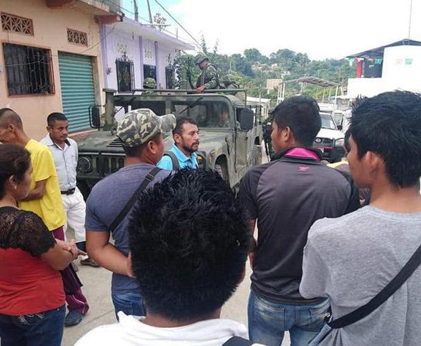 Ciudadanos se pronuncian en apoyo a mototaxis