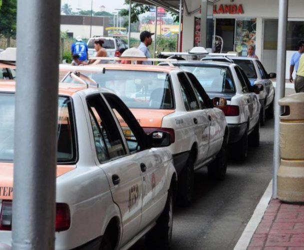 Choferes de Tuxtepec sufren explotación de concesionarios