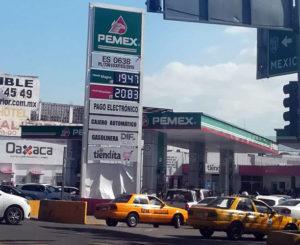Disminuye precio de gasolina Magna, pero sólo por unos centavos