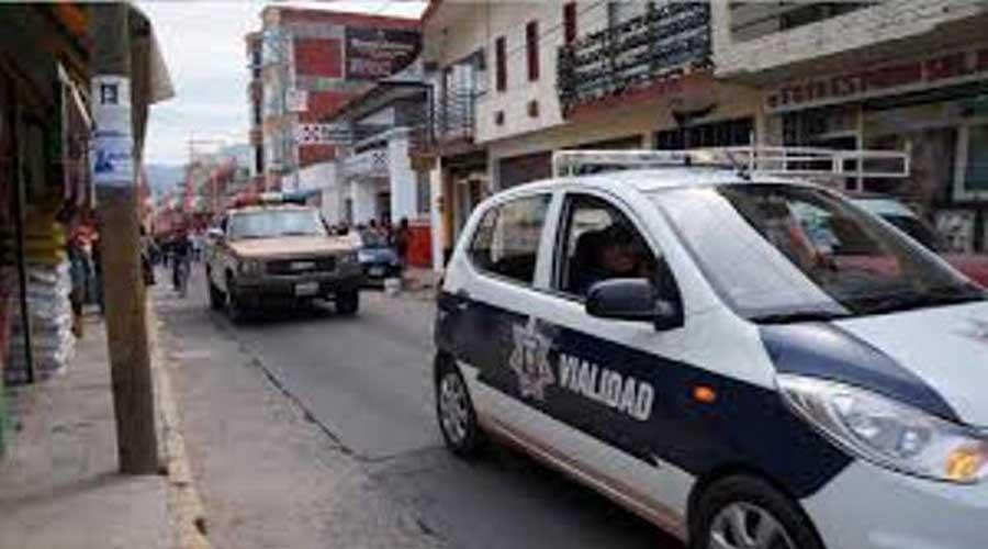 Sorprenden a un sujeto dañando unidades de motor en Huajuapan | El Imparcial de Oaxaca