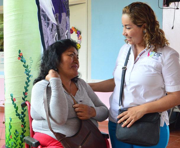 Entregan reconocimientos a personas con discapacidad en Tuxtepec