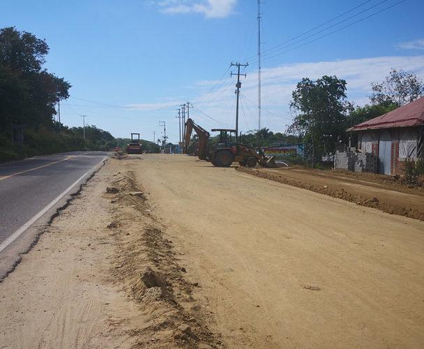 Inspeccionan obras en carretera federal 200