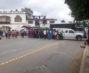 Protestan en Cuilápam por incumplimiento de obras públicas