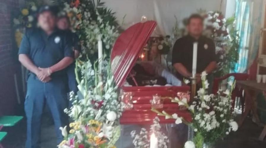 Dan último adiós a agente ministerial asesinado en Juchitán | El Imparcial de Oaxaca
