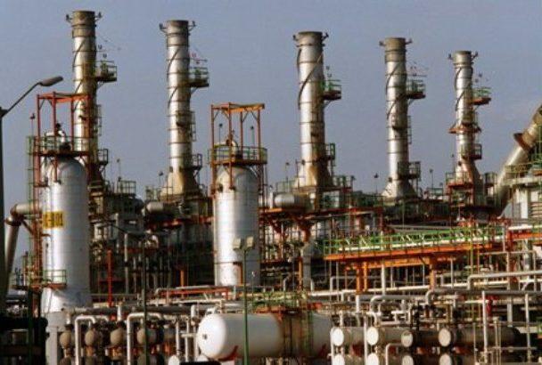 Anuncian inversión para refinería Dovalí