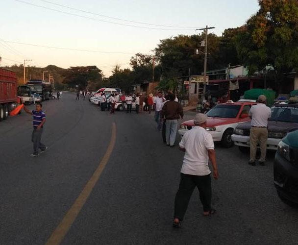 Taxistas protestan por conflicto con mototaxis