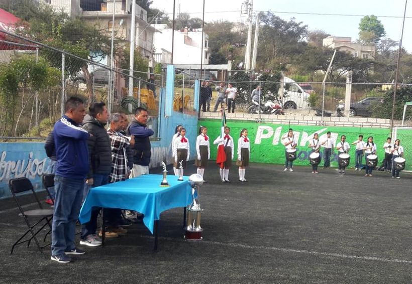 Rueda el balón | El Imparcial de Oaxaca