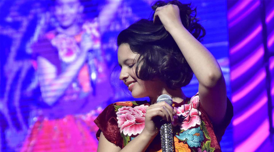 Hija de Pepe Aguilar presume vida llena de lujos en escotado atuendo   El Imparcial de Oaxaca