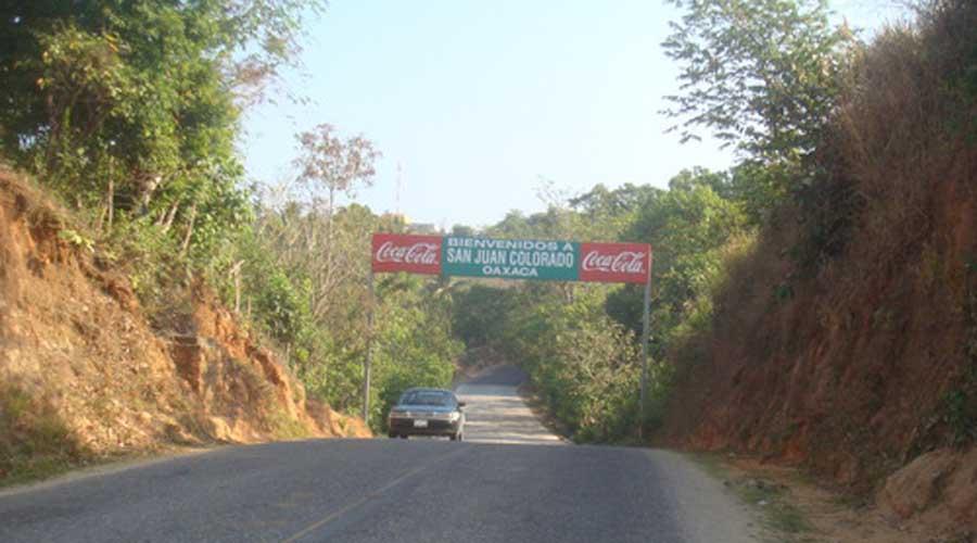 Acusan a edil de San Juan  Colorado de crear grupo  de transportistas piratas   El Imparcial de Oaxaca