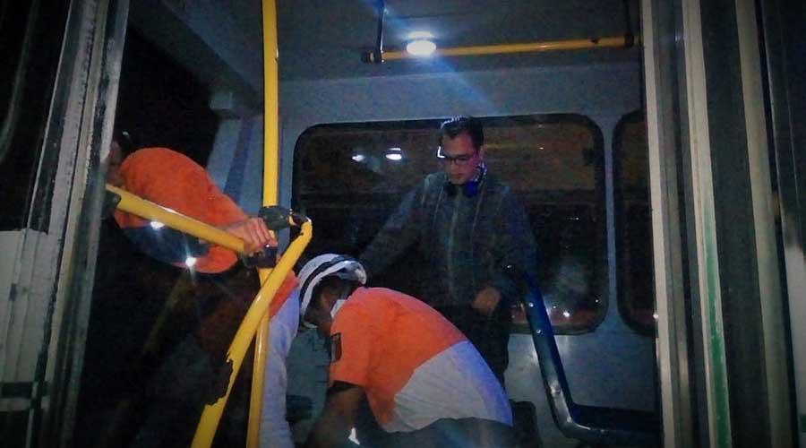 Urbano que circulaba a exceso de velocidad deja a pasajeros lesionados   El Imparcial de Oaxaca