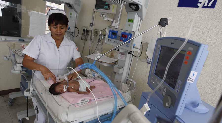 55 años siendo enfermera; Graciela siente el orgullo de su trabajo | El Imparcial de Oaxaca