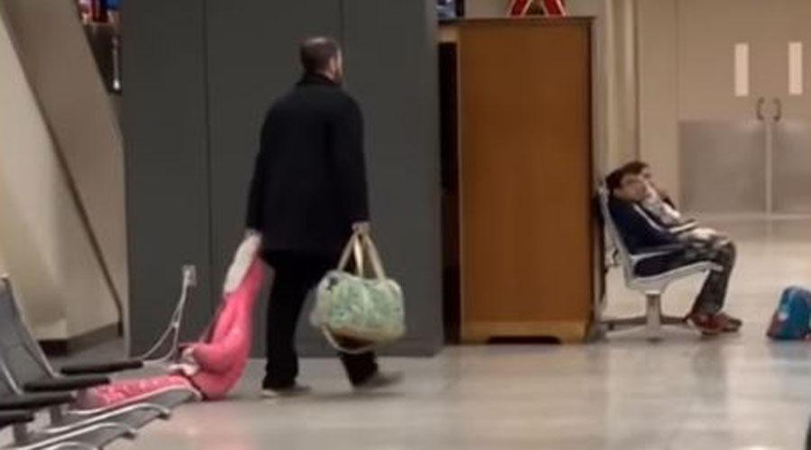 Video: Hombre arrastra a su hija por los pasillos del aeropuerto | El Imparcial de Oaxaca