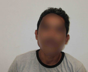 Arrestan a hombre acusado de robo en la Central de Abastos