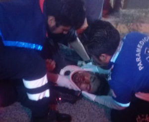 Se lesiona motociclista tras derrapar en San Bartolo Coyotepec