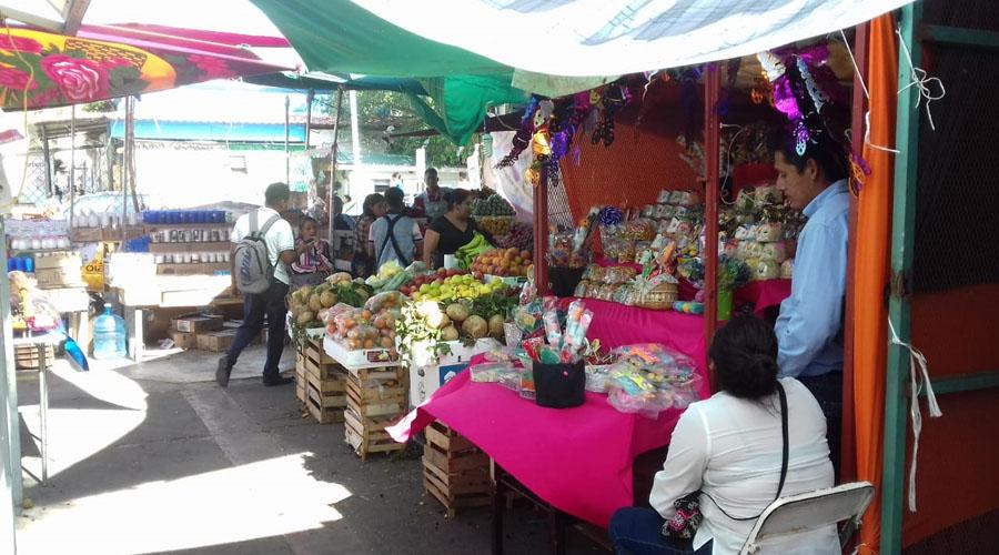Comerciantes del Istmo desalojan el parque Independencia | El Imparcial de Oaxaca
