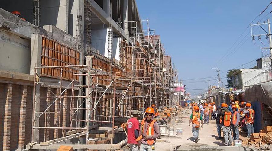 Conflicto entre locatarios del Istmo detiene obra de mercado