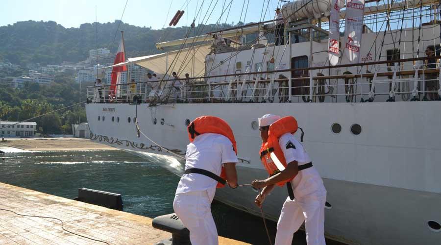 Recibe Marina en Acapulco a buque escuela de Polonia | El Imparcial de Oaxaca