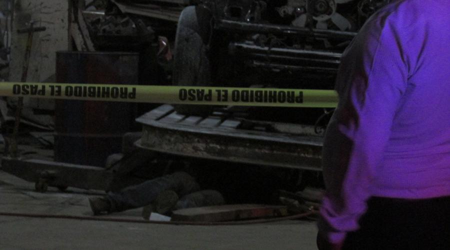 Muere mecánico aplastado por vehículo mientras lo reparaba | El Imparcial de Oaxaca