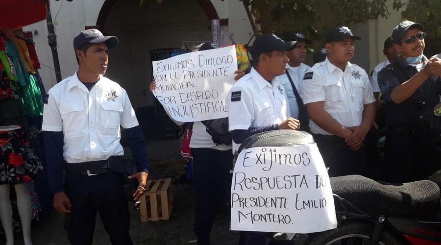 Expolicías toman el palacio de Juchitán | El Imparcial de Oaxaca