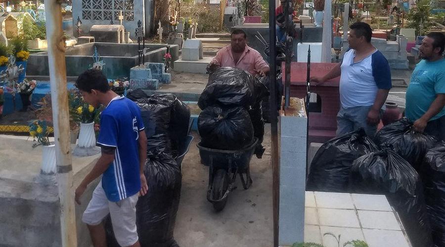 Realizan limpieza en panteón municipal de Salina Cruz | El Imparcial de Oaxaca