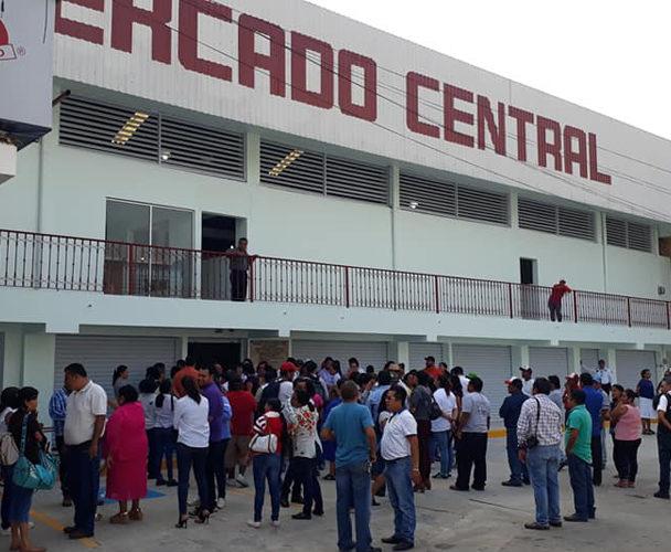 Locatarios de  Tuxtepec aún sin Mercado Central