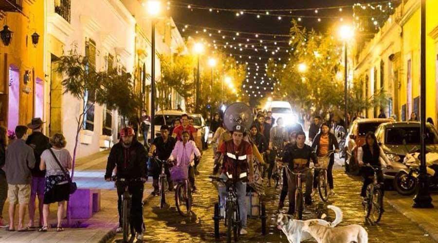 Realizan primer paseo nocturno en bicicleta de este año | El Imparcial de Oaxaca