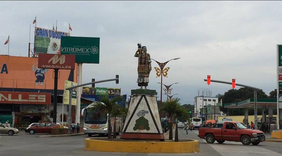Rehabilitaran la estatua Flor de Piña de Tuxtepec | El Imparcial de Oaxaca