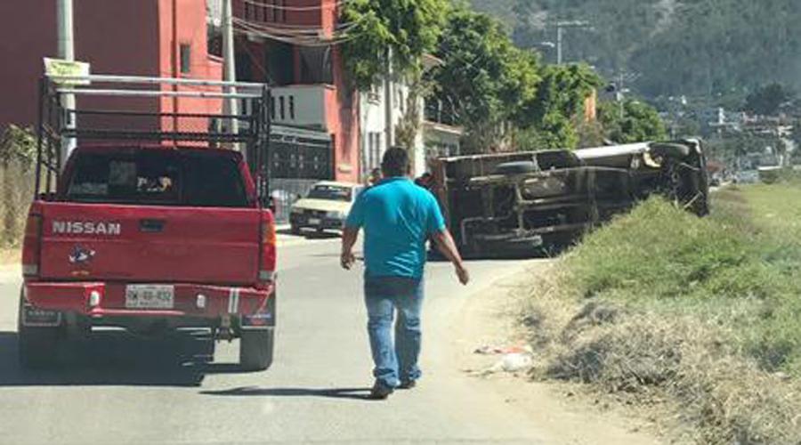 Exceso de velocidad provocó volcadura en San Antonio de la Cal   El Imparcial de Oaxaca
