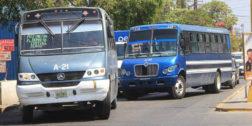 Transporte público circula sin documentos
