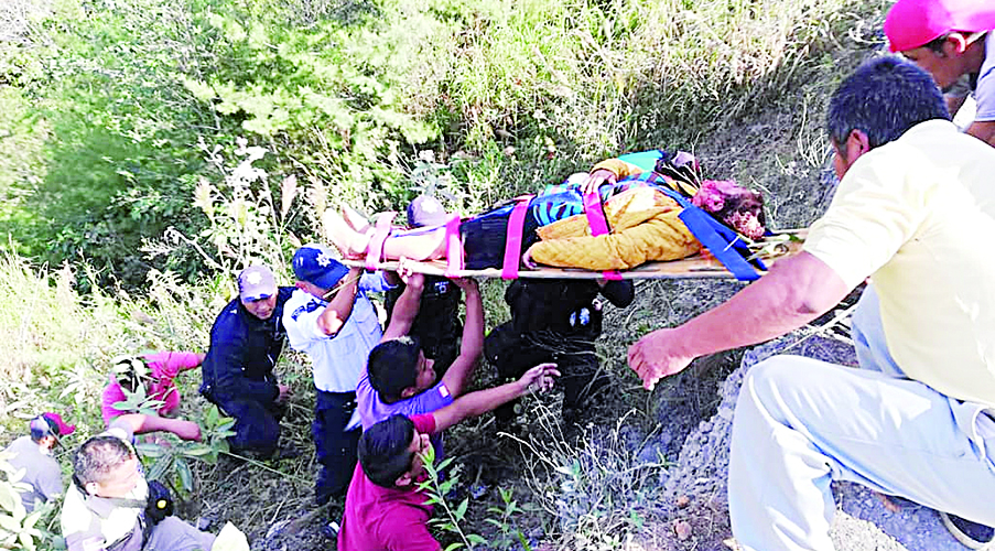 Volcadura deja cinco lesionados en Huautla | El Imparcial de Oaxaca