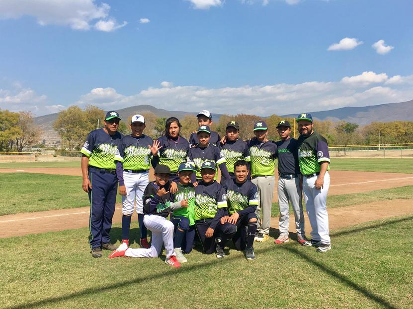 Peloteros jugaron por la Amistad | El Imparcial de Oaxaca