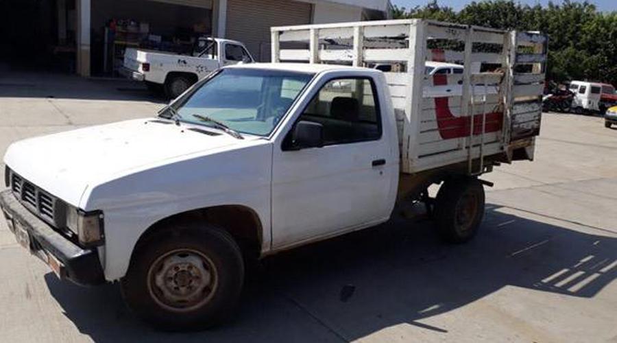 Recuperan camioneta con reporte de robo en Putla | El Imparcial de Oaxaca