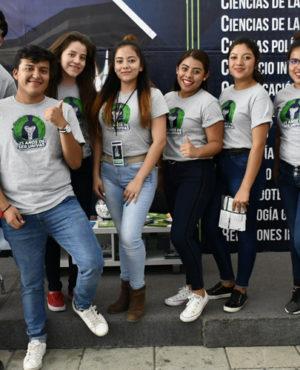 Jóvenes participan en exporienta de Educación Superior