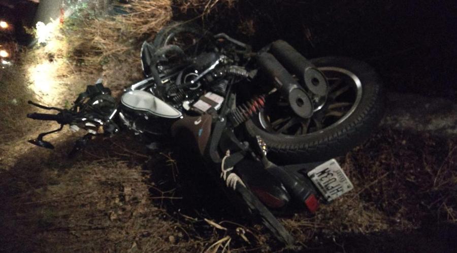 Choque entre taxi y motocicleta deja 2 lesionados en Huatulco | El Imparcial de Oaxaca