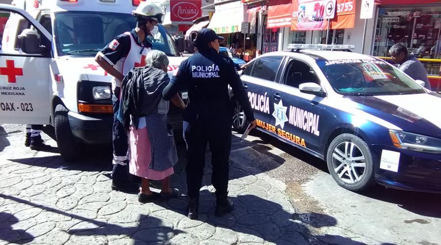 Se lesiona mujer de la tercera edad tras sufrir caída | El Imparcial de Oaxaca