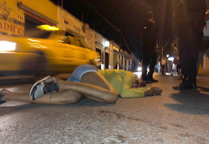 Golpean y abandonan a mujer en el centro de la ciudad