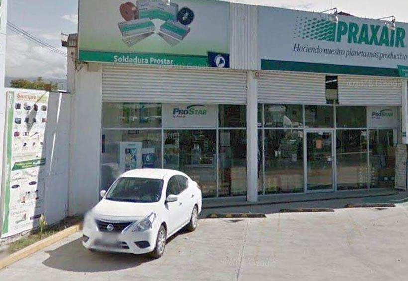 Violento asalto a negocio de Símbolos Patrios; 200 mil pesos el botín
