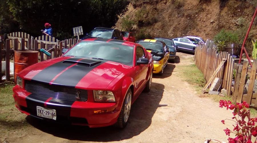 Desfilan los Mustang en la Verde Antequera