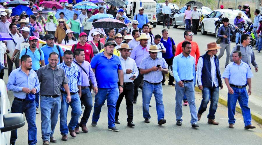 Noticias de Michoacán: Presentan propuesta para abrogar a la reforma Educativa