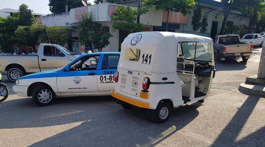 Se registran bloqueos y enfrentamientos en Pinotepa por introducción de mototaxis   El Imparcial de Oaxaca