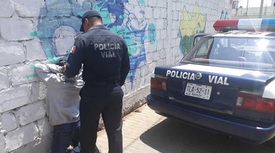 Detienen a joven por robar desodorantes en Chedraui