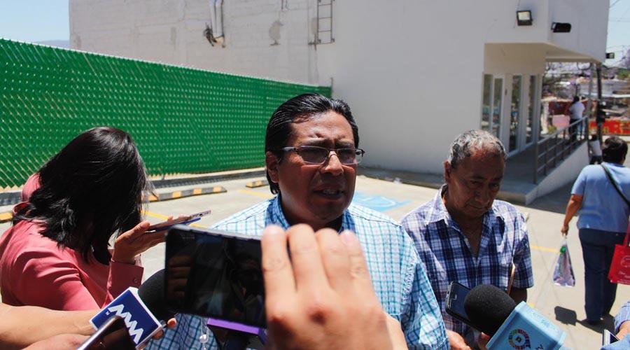 En el Barrio de Xochimilco piden reubicar farmacia