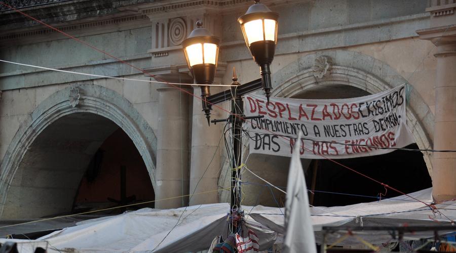 Infinidad de puestos ambulantes roban la energía eléctrica en los alrededores del zócalo de Oaxaca