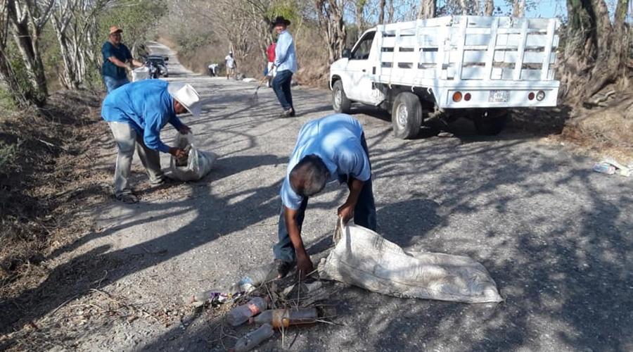 La agencia El Carrizo limpia su camino