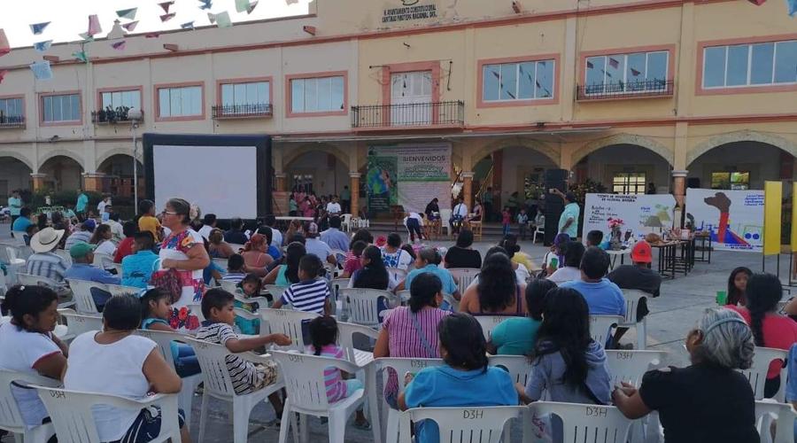 Presentan alumnos de la Costa proyectos pedagógicos | El Imparcial de Oaxaca