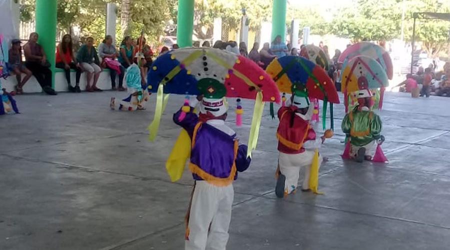 Realizan Guelaguetza Infantil en el Mezquite