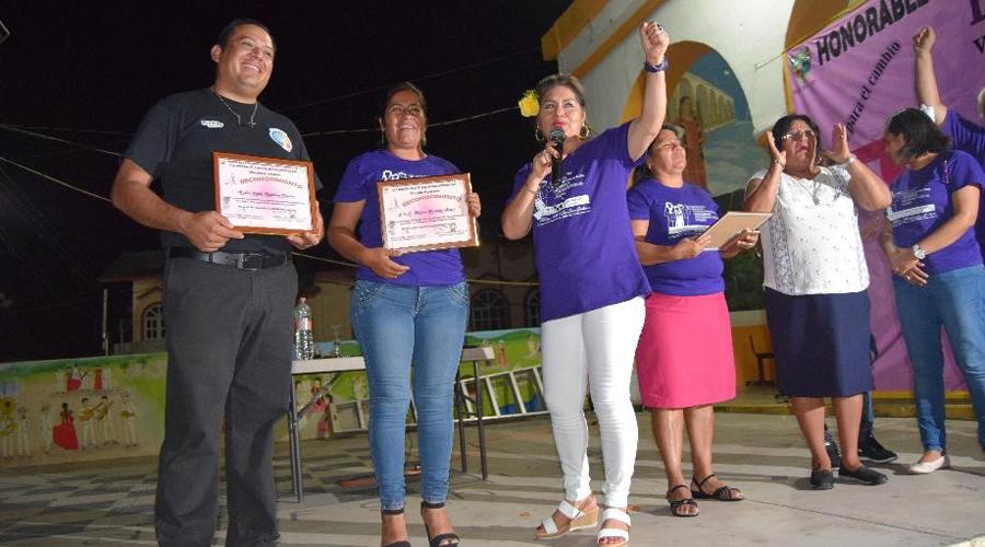 Conmemoran el Día Internacional de la Mujer en San Juan Guichicovi | El Imparcial de Oaxaca