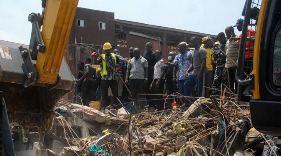 Rescatistas suspenden búsqueda en escuela derrumbada en Nigeria   El Imparcial de Oaxaca